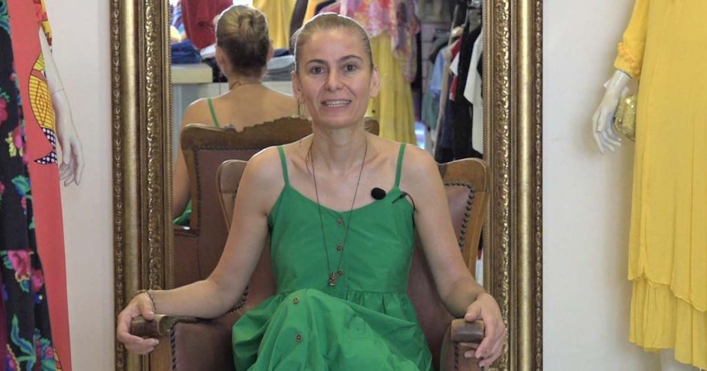 Bir küçücük dükkancık içi dolu dünyacık: Çınar Giyim